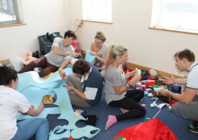 team puppet making